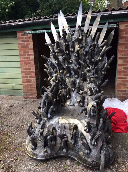 GOT dildo throne